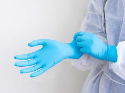 Study Reveals Why Gowns and Gloves can be so Dangerous